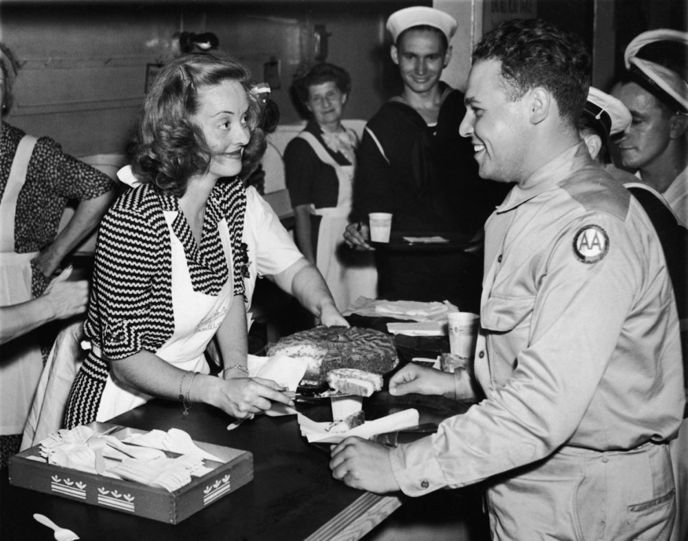 Hollywood Canteen (1944) -- (Movie Clip) Kiss Giver-Outer