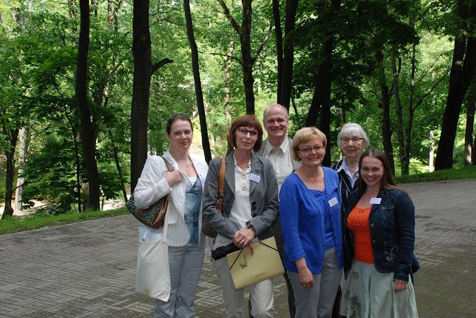 """Rootsi eestlaste delegatsioon Tartus konverentsil """"Eesti keel ja kultuur maailmas"""" 26-28.06.2008"""