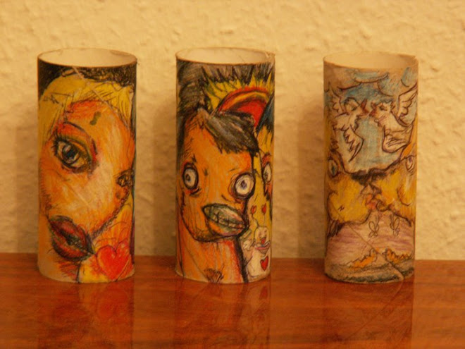i made somme stuff on toilet paper rolls