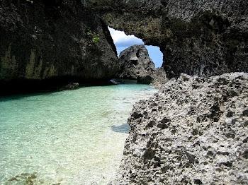 Gaspar Island, Tres Reyes Islands