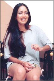 Srilankan Sexy Actress Nirosha Perera