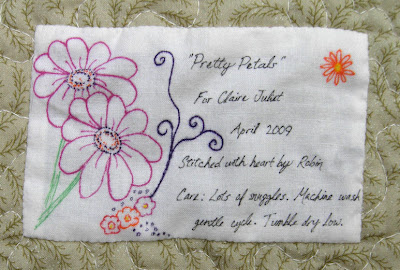 Pretty Petals quilt label
