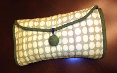 diaper clutch closed