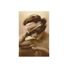 Postal Vintage mujer con diadema de banda