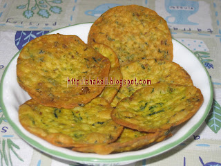 palak puri, spinach puri, poori recipe, indian flat bread, fried puri