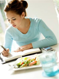 Writing Diary about food intake can increase weight loss, get skinnier by writing all day meals and calories