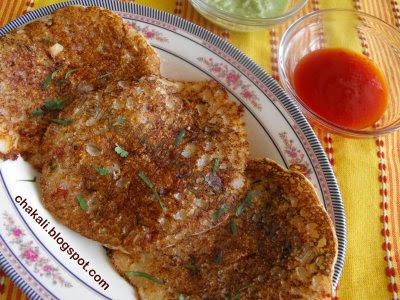 rava ghavan, sooji pancakes, semolina pancakes, Indian pancakes