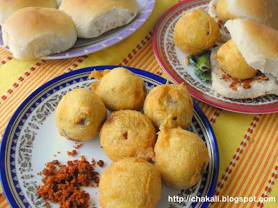 batata wada, batata bhajji, batata bhaji, batatyachi bhaji, aloo pakoda, aloo pakora, pakoda recipe
