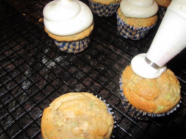 My Mother's Apron Strings: Cupcake War: Zucchini vs ...
