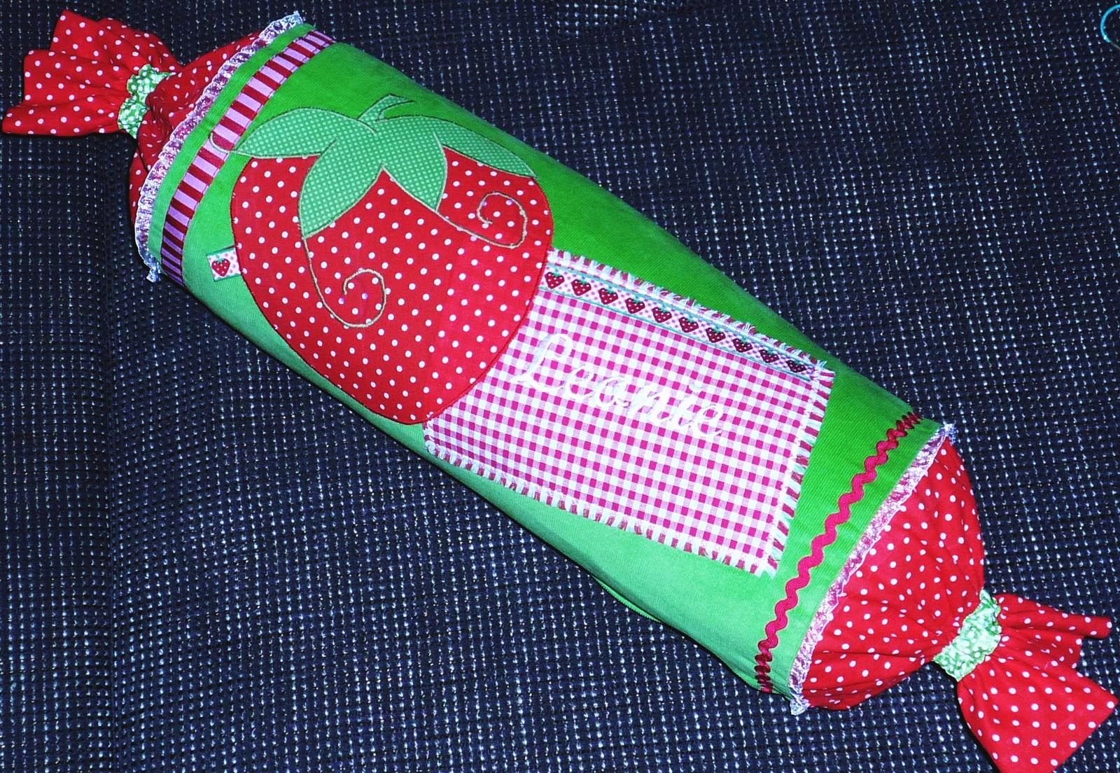 Mimi muffin erdbeer nackenrollen zum anbeissen - Piratenzimmer deko ...
