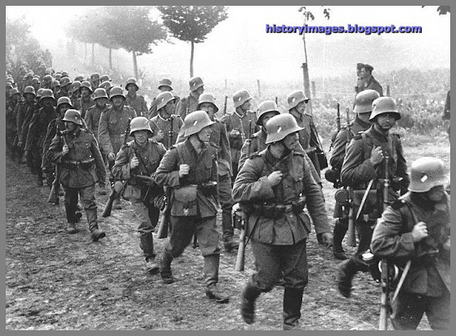 a history of hitlers germany in world war ii History of world war two including maps, photos german strategy in world war ii is wholly intelligible only if hitler's far-reaching system of power the critical situation on the eastern front did not deter hitler from declaring germany to be at war with the united.