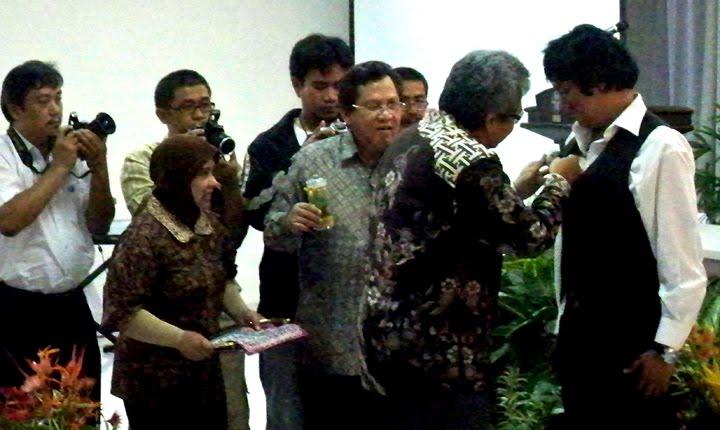 Pelantikan Ikang Fawzi jadi Duta LIPI & Kebun Raya Indonesia