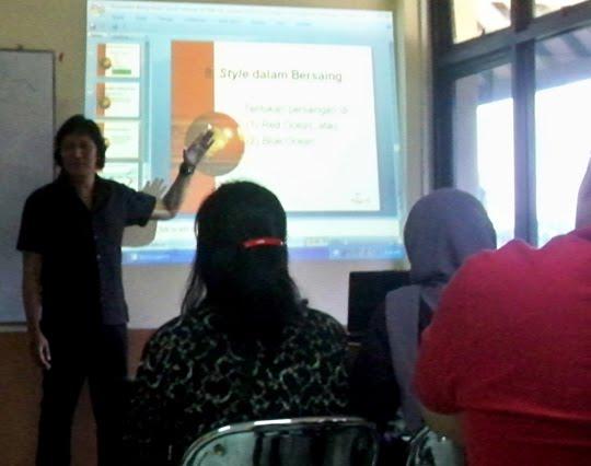 Mengabdi di Almamater FISIP-Administrasi Niaga, UI (Universitas Indonesia)