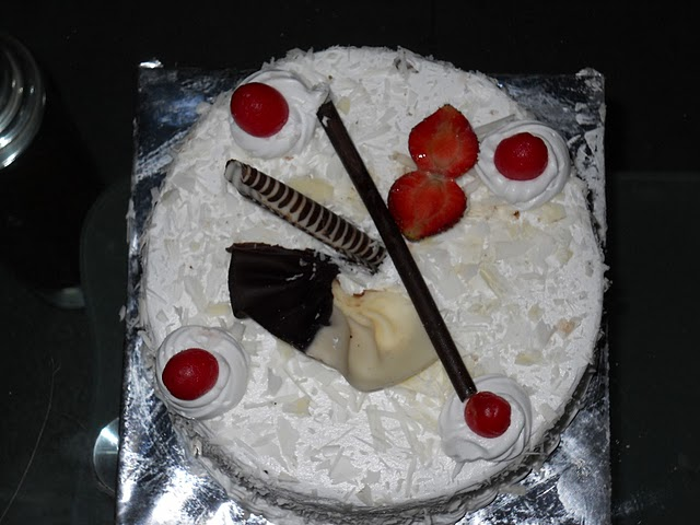 Images Of Birthday Cake For Jiju : Anand Khinvasara: HAPPY BIRTHDAY to me....hahaha