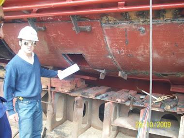 Reparacion de casco zona sala de maquinas.