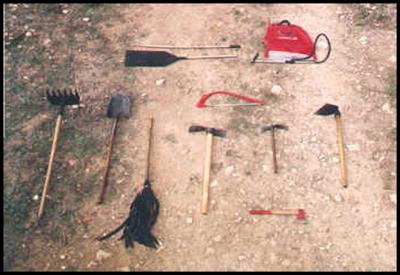 Segunda compa ia pompa italia herramientas para el for Herramientas que se utilizan en un vivero