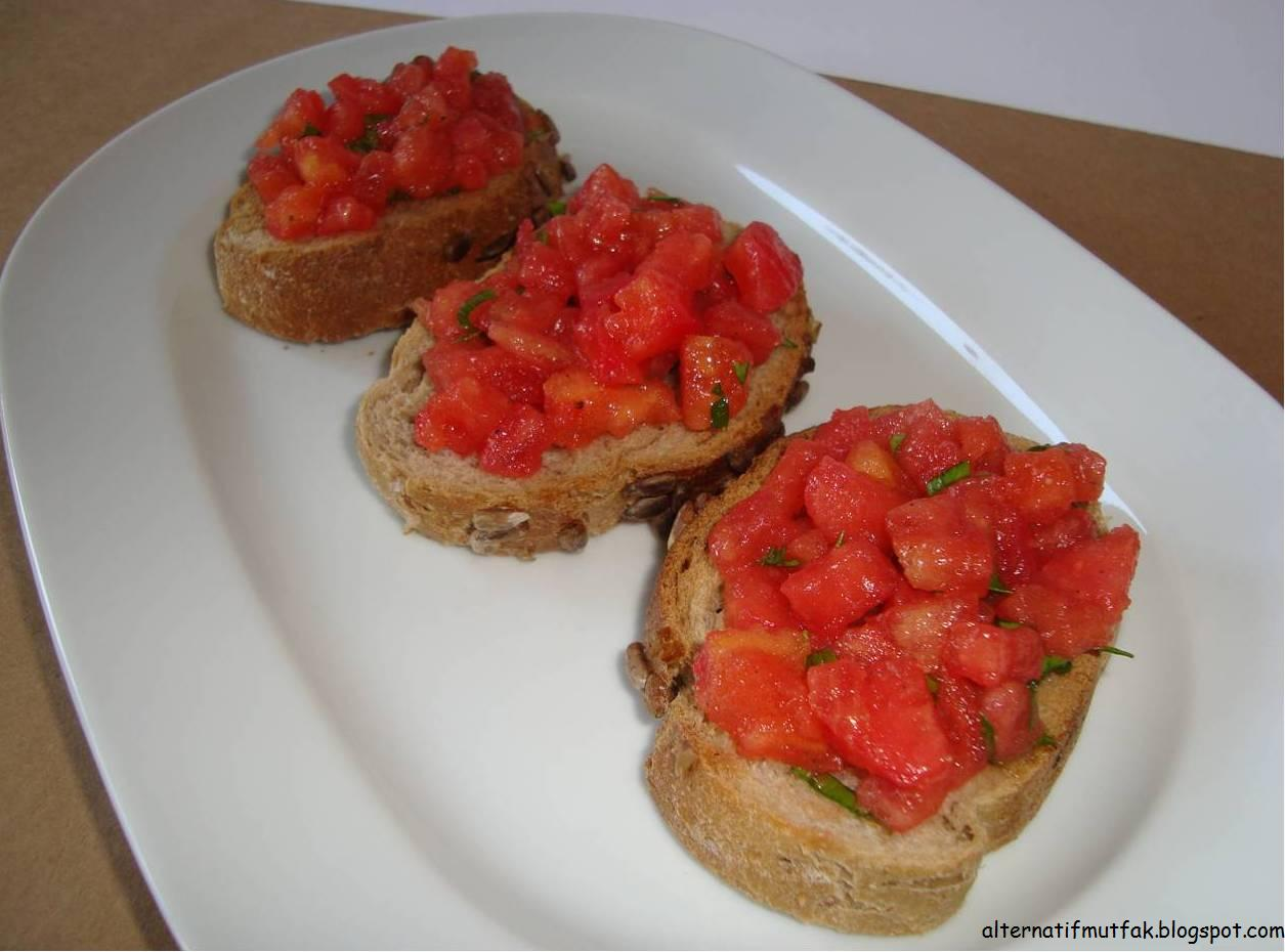 Alternatif Mutfak: Domatesli Bruschetta