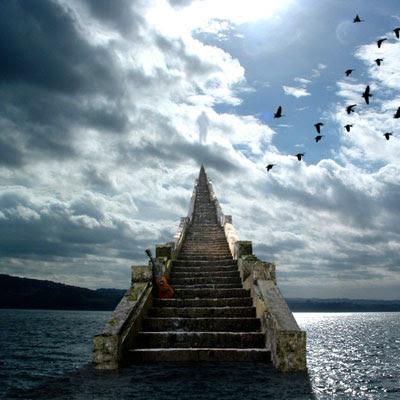 http://1.bp.blogspot.com/_LrzoDGqwig0/STsbETfOw4I/AAAAAAAAAHY/en5NYQrfBNE/s400/stairs.jpg