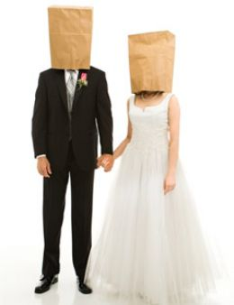 arranged marriages 1 Nevertheless, for the sake of argument, here are some disadvantages of arranged marriages: 1 inability to make up one' s own mind.