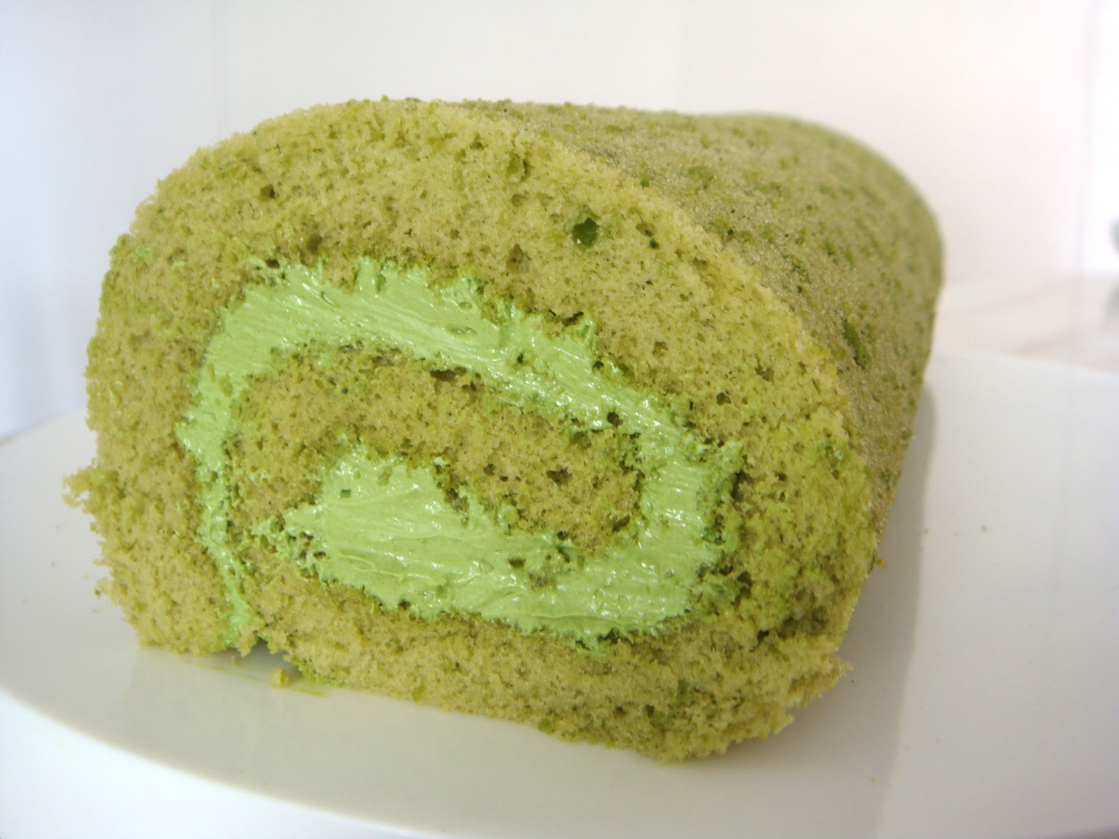 Matcha Roll (Green Tea Swiss Roll) Recipes — Dishmaps