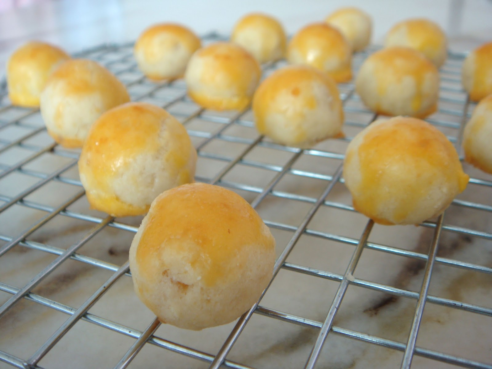 Pineapple Tarts (pastry recipe adapted from Delicious Nyonya Kuek ...