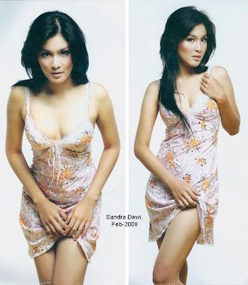 Foto Hot dan Bugil Sandra Dewi Di Laptop Ariel2