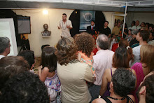 Público ouviu poesia em várias vertentes de formas e temas de conteúdo