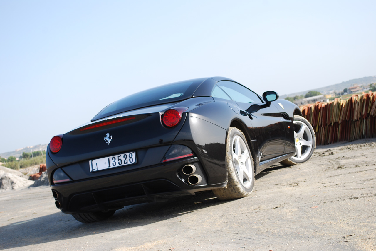 2010 Ferrari California roadster Wallpapers title=