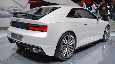 Mobil Audi Quattro Concept and E-tron Spyder