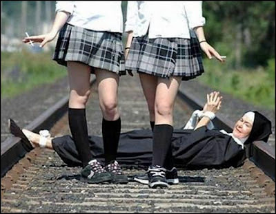 http://1.bp.blogspot.com/_M0cuxJsSjdU/Rx9Bj7Uos0I/AAAAAAAABao/2ZdL1Kaj0SY/s400/Catholic%2520School%2520Girls%2520(Naughty)%2520%5B800x600%5D.jpg