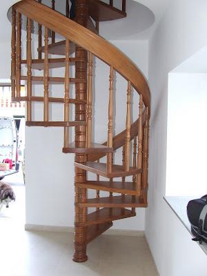 la escalera de caracol en madera maciza es una de las mas bellas hablando aunque tambin la menos servicial de todas con matices