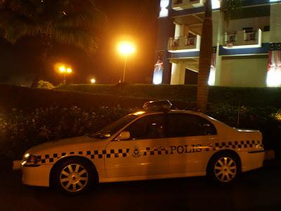 Perdana V6 police car