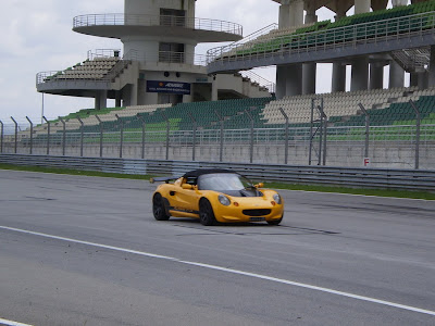 Time To Attack Sepang Yellow Lotus Elise