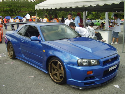 Blue color Skyline R34