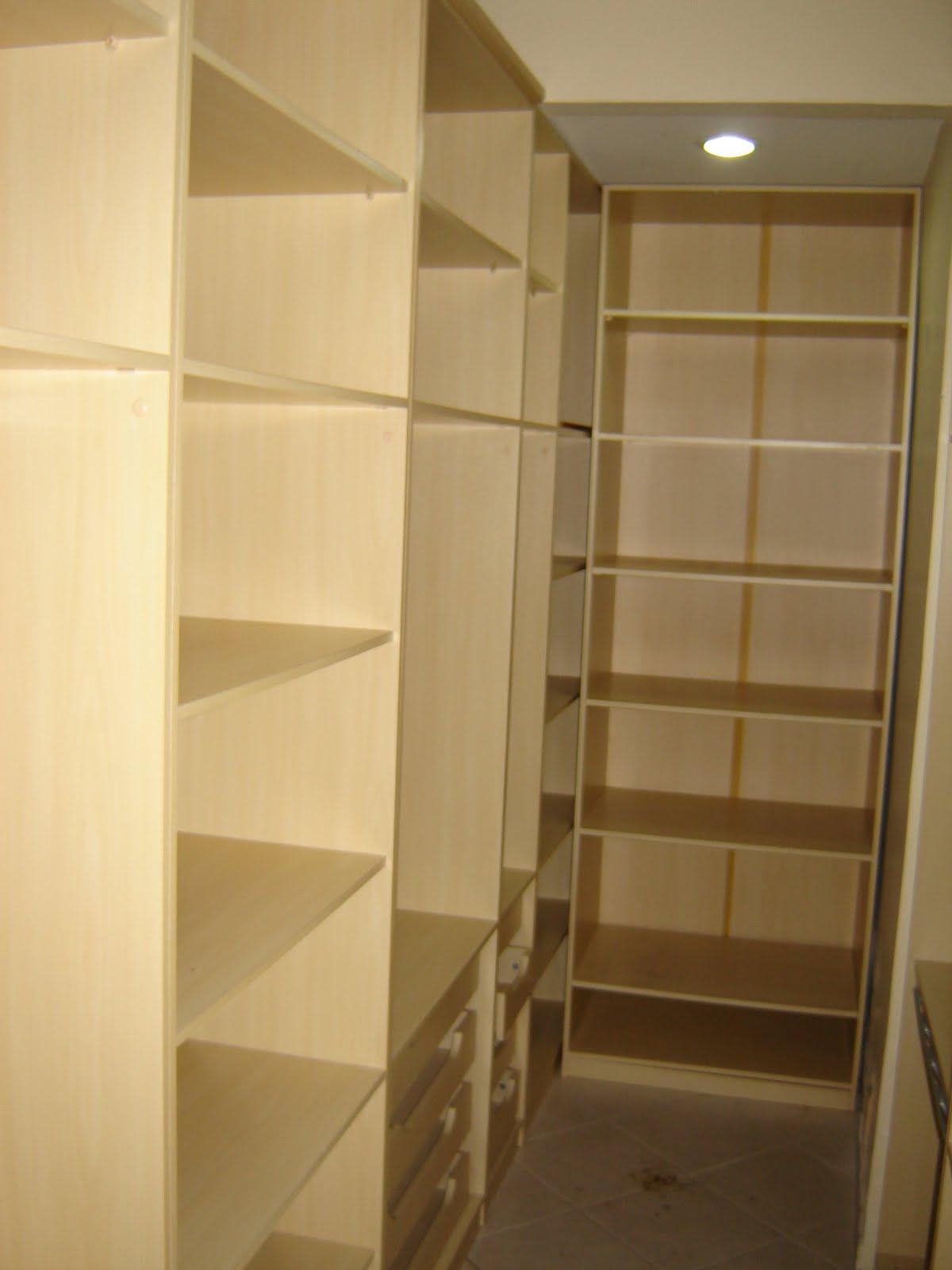 barravai: Quarto e banheiro de empregada (atual closet 19P) #B48817 1200 1600