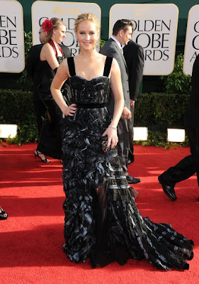 Jennifer Lawrence Lovely With 50's Inspired Louis Vuitton Black Gown