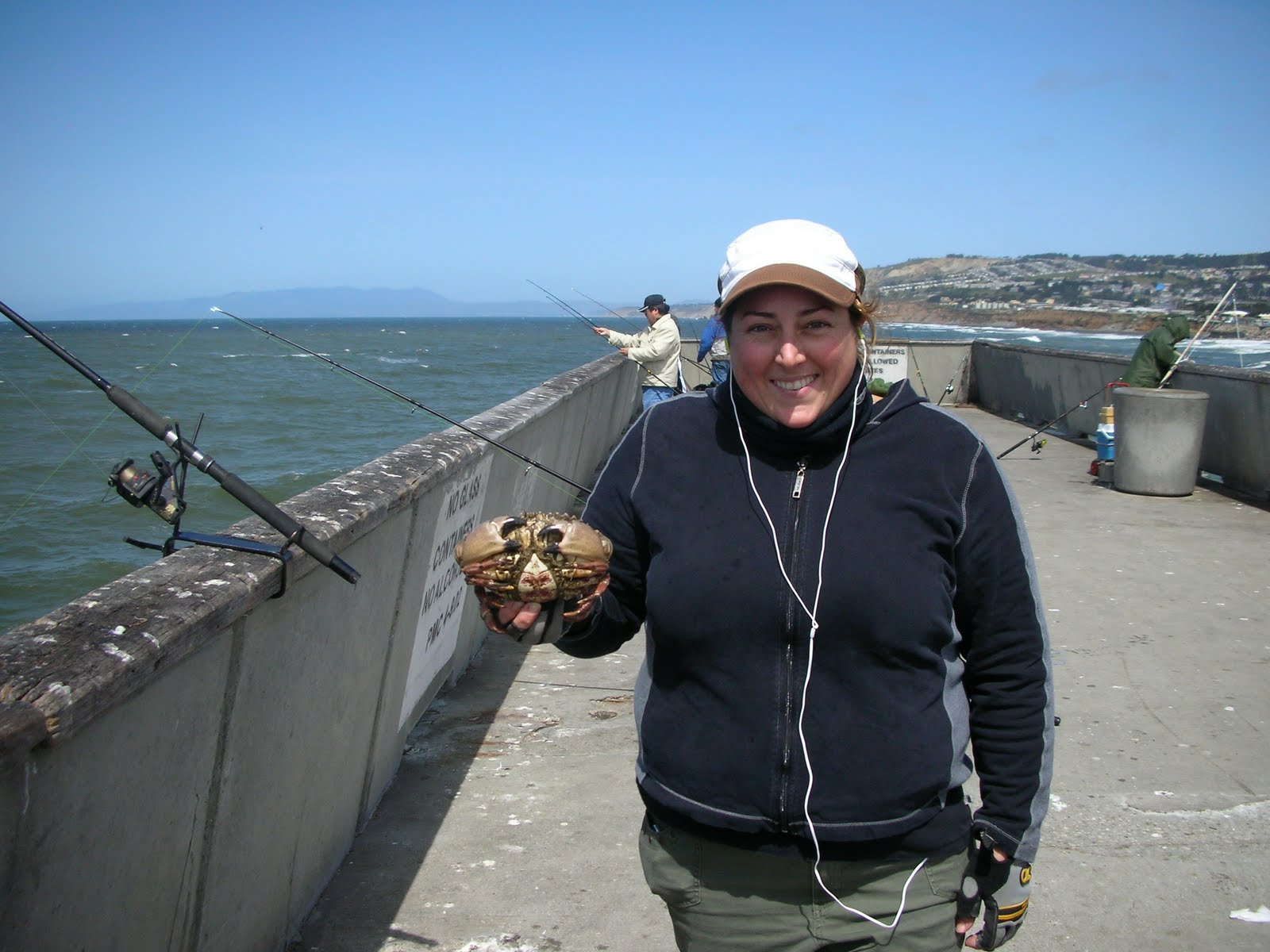 found fruit dungeness crab fishing pacifica pier