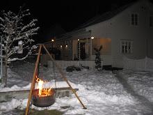 Bålpanna en vinterkveld i desember
