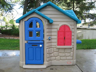 Tot Spot Items For Sale Little Tikes Playhouse Cottage