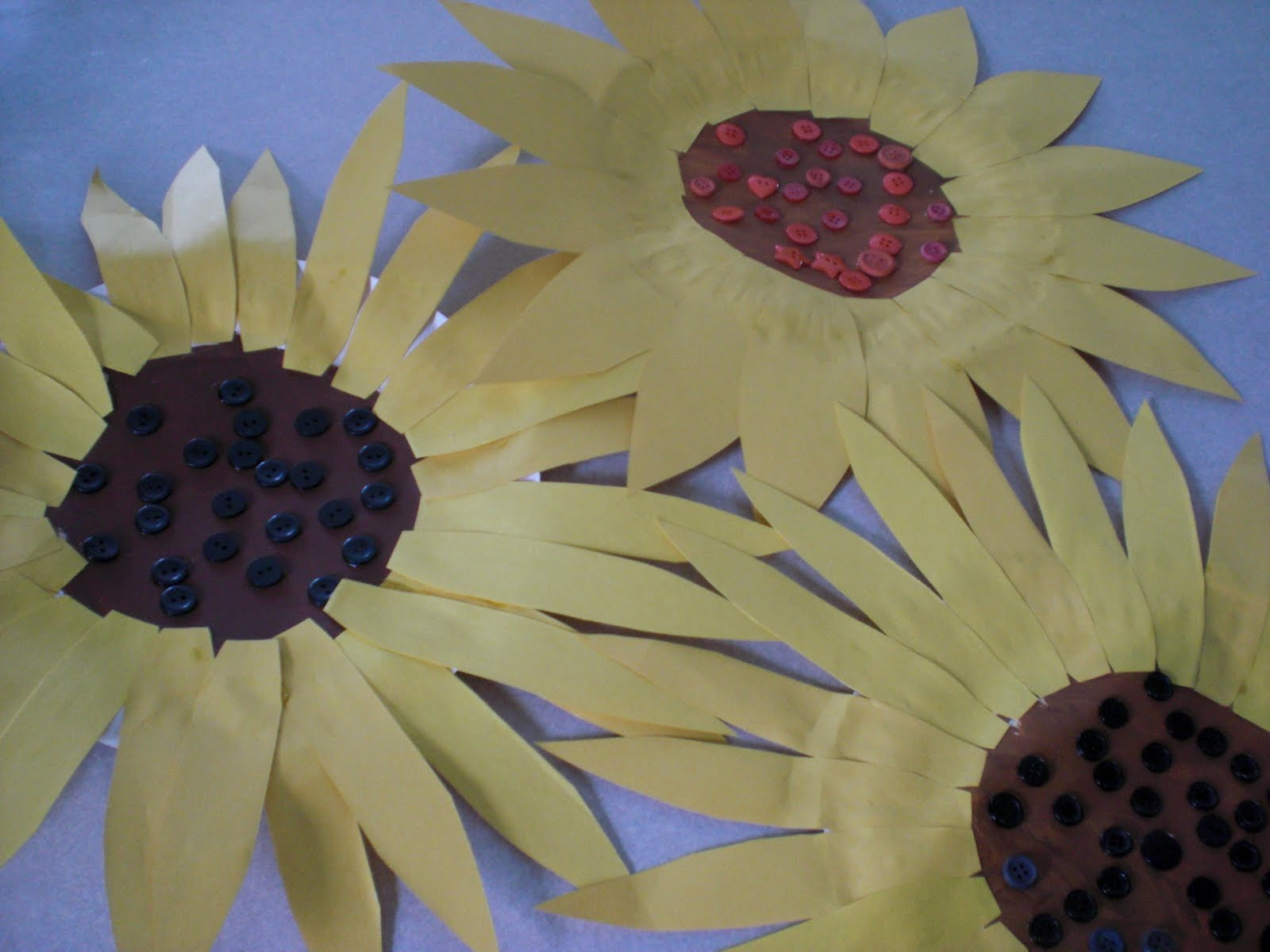 Finished Sunflowers & Because I Said So (and Other Mommyisms): Summer Sunflower Craft