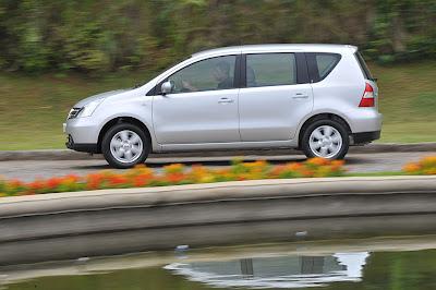http://1.bp.blogspot.com/_M9wRxPCAbaI/ScC-Ku0ElQI/AAAAAAAAFYc/-QnMFUBgolQ/s400/8-Nissan-Livina.jpg