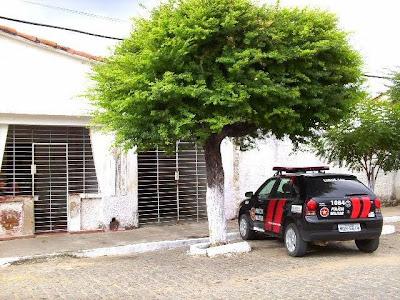 http://1.bp.blogspot.com/_MBBXIrKA0Ec/SwvAcw842dI/AAAAAAAABEk/nCrqEVIKbwM/s1600/Destacamento+de+B.+do+Cruz-PB.JPG