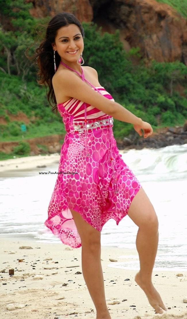[www.FunAndFunOnly.in+-+Shraddha+Arya8.jpg]