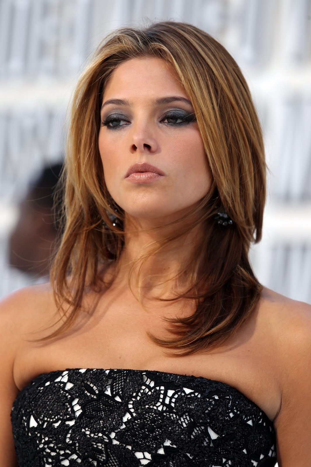 Ashley Greene Sexy Photos and Picture Gallery 1