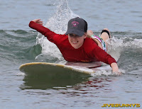 Avril Lavigne surfing candids