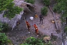 Indios en la Amazonía BrazilBoliviana