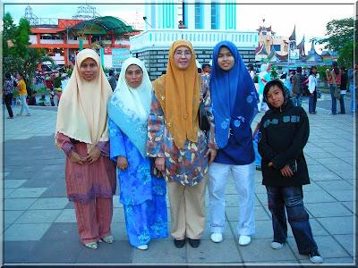 Ustazah Meriam Nasir at Padang Sumatra