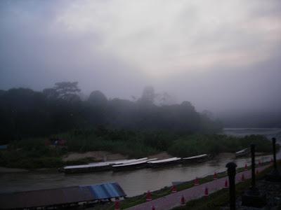 Morning mist at Kuala Tahan