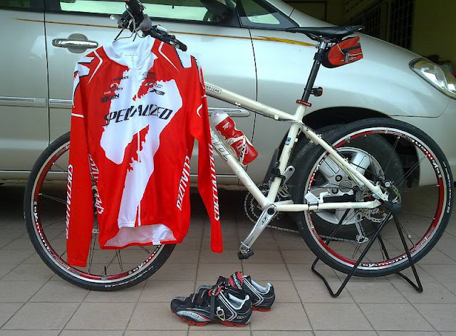 Bicycle Jersey and shoes