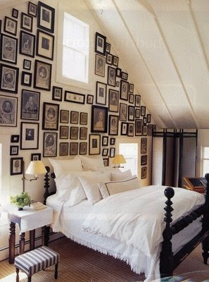 Wall Of Frames B Splendid